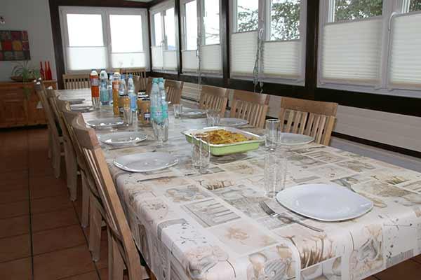 Gemeinsame Mahlzeiten im Kinderhaus Birkeneck